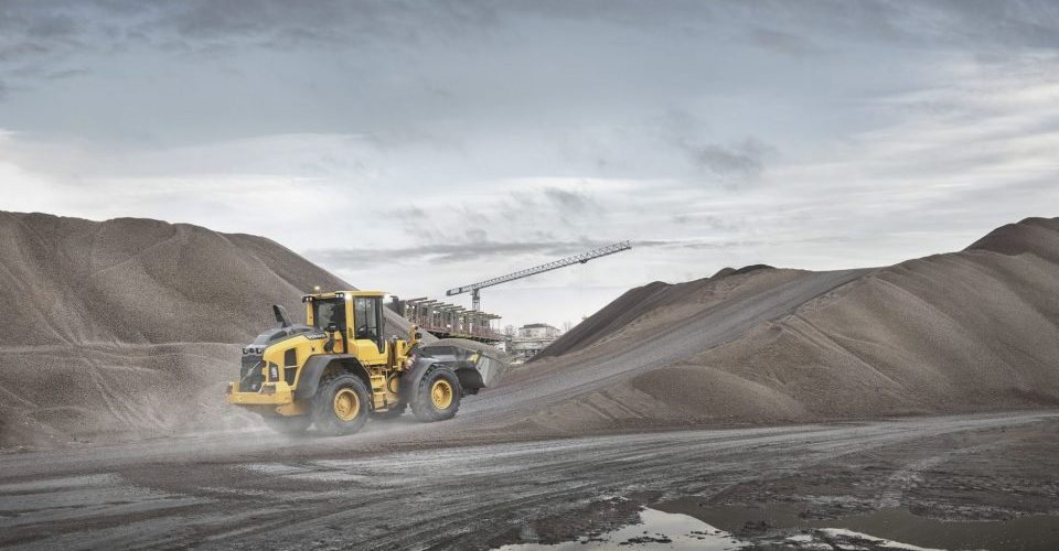 volvo benefits wheel loader l60h t4f up to 20 per cent more efficient 23241200 960540